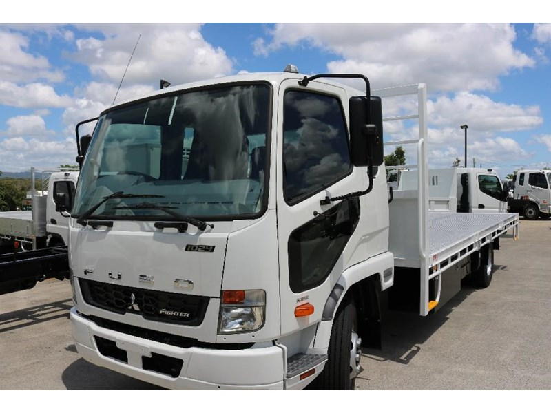 fuso fighter 556558 003