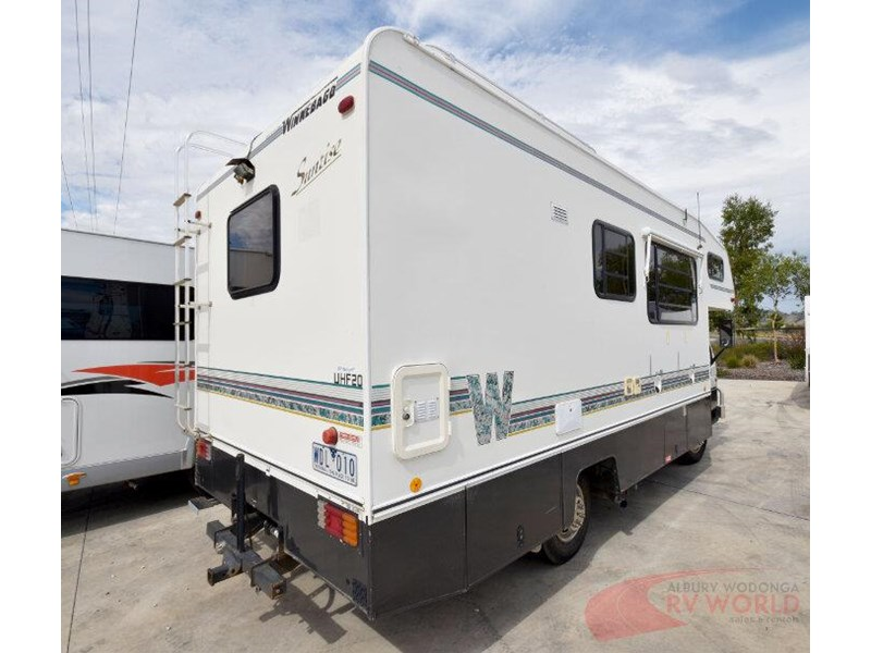winnebago industries alpine 557207 002