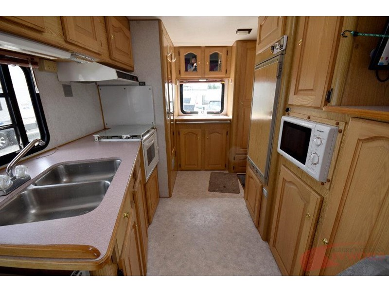 winnebago industries alpine 557207 012