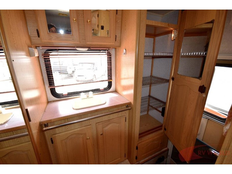 winnebago industries alpine 557207 015