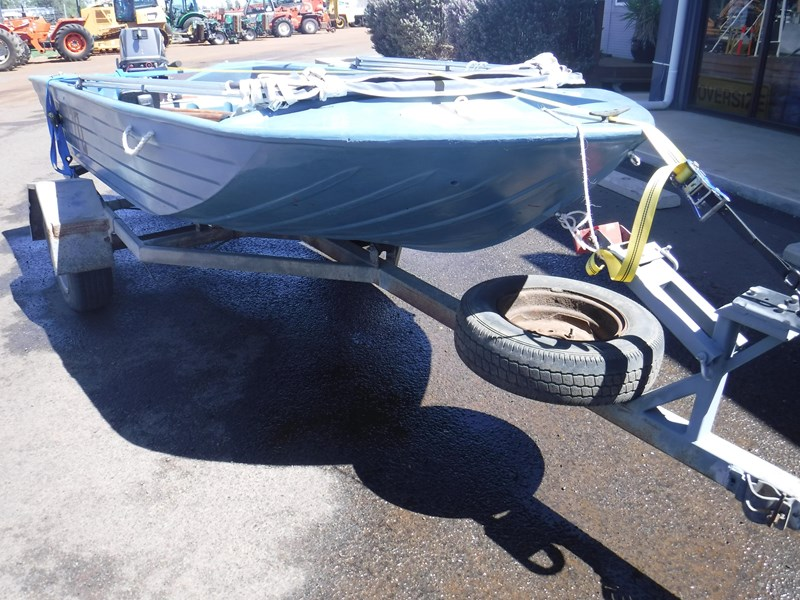 bushman open dinghy runabout boat 558073 002
