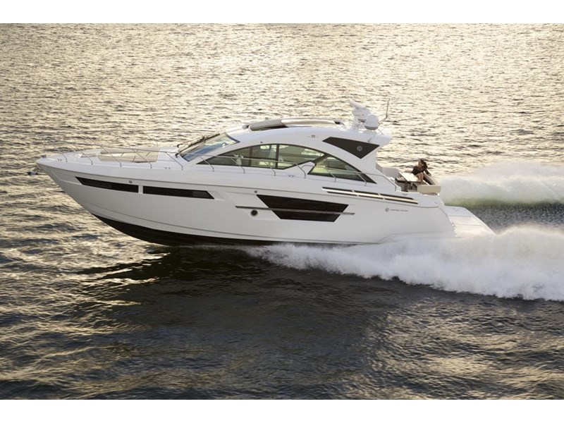 cruiser yachts 54 cantius sports yacht 560075 002