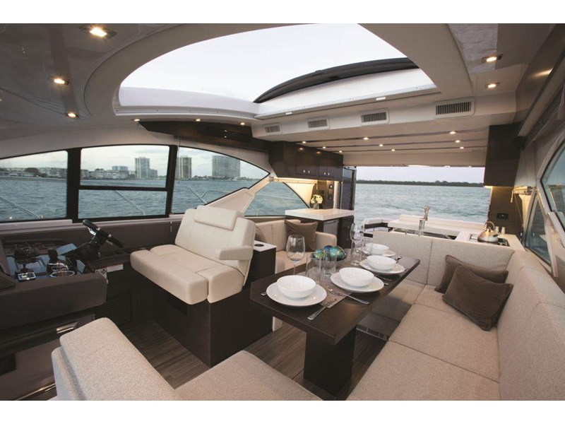 cruiser yachts 54 cantius sports yacht 560075 005