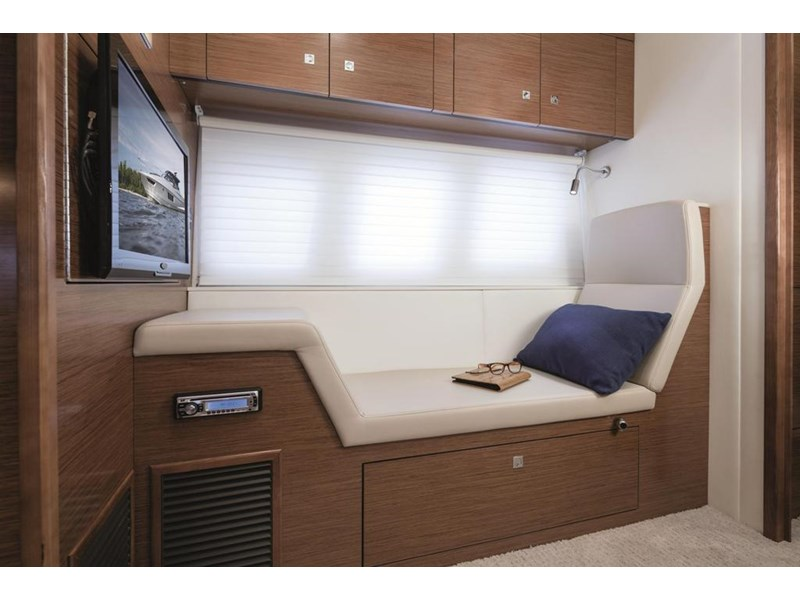cruiser yachts 45 cantius sports yacht 560078 004