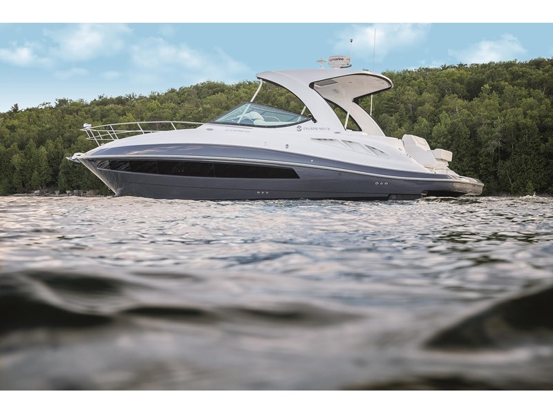 cruiser yachts 35 express sports cruiser 560738 002