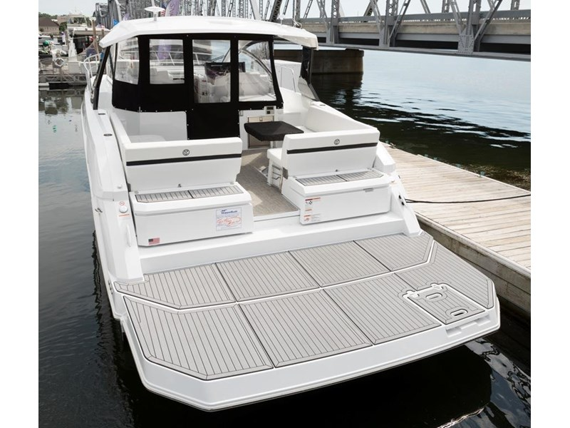 cruiser yachts 39 express coupe 562798 002