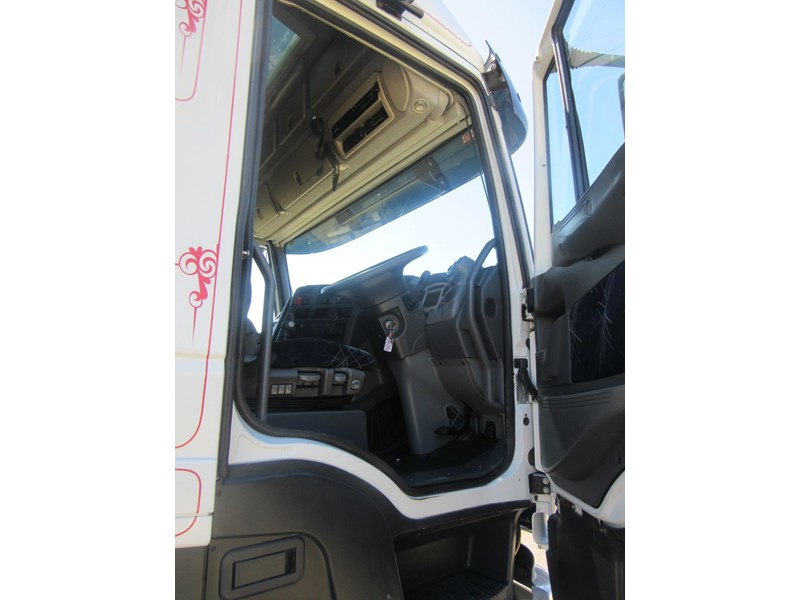iveco stralis at/as/ad 552637 010