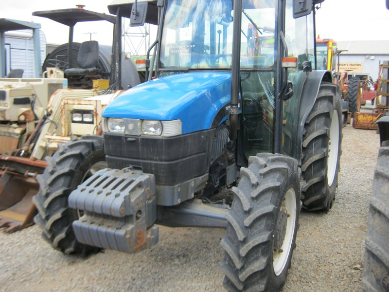 new holland tn65d 4 wheel drive tractor 564048 008