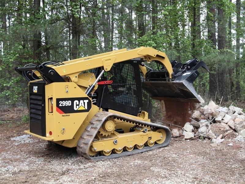 Skid Steer Drivetrain : Caterpillar d loaders skid steers specification