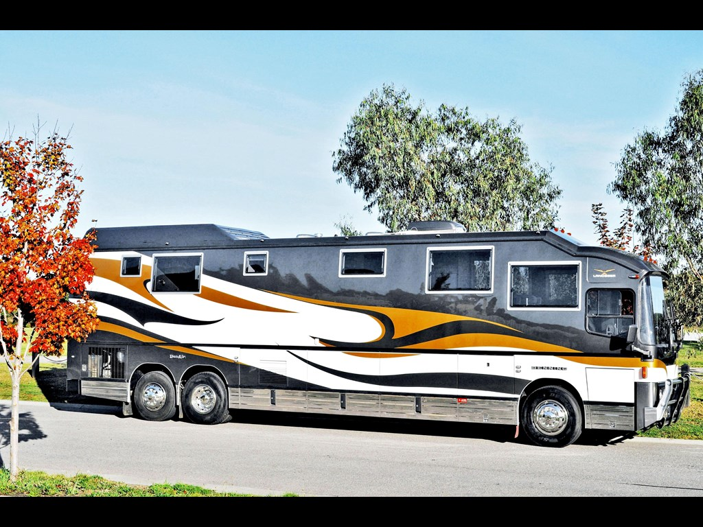 22 amazing luxury motorhomes for sale for Best motor coach reviews