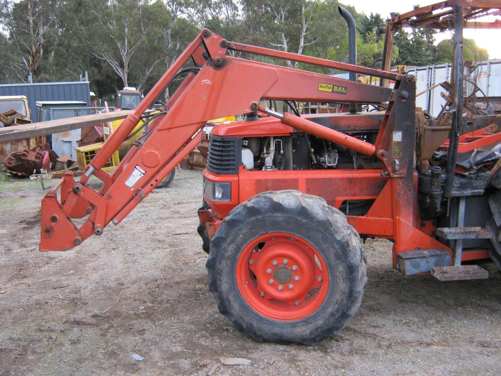 Kubota Tractor Parts : Kubota tractor wrecking parts only for sale trade