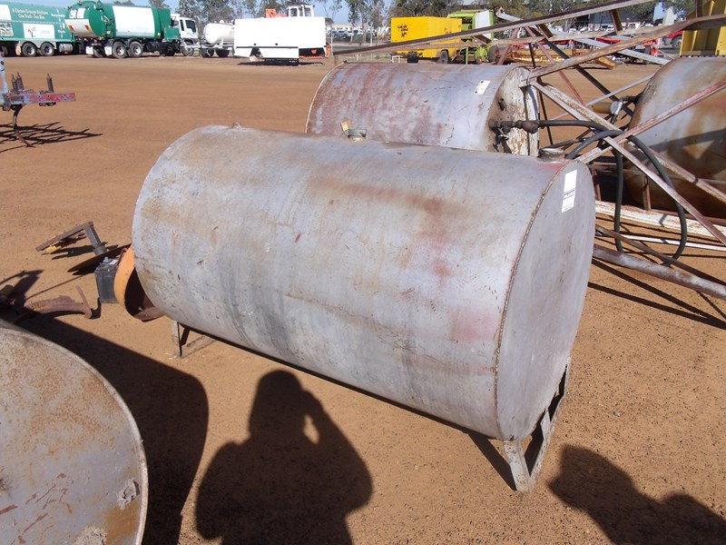 unknown 200 gallon fuel tank 223542 001