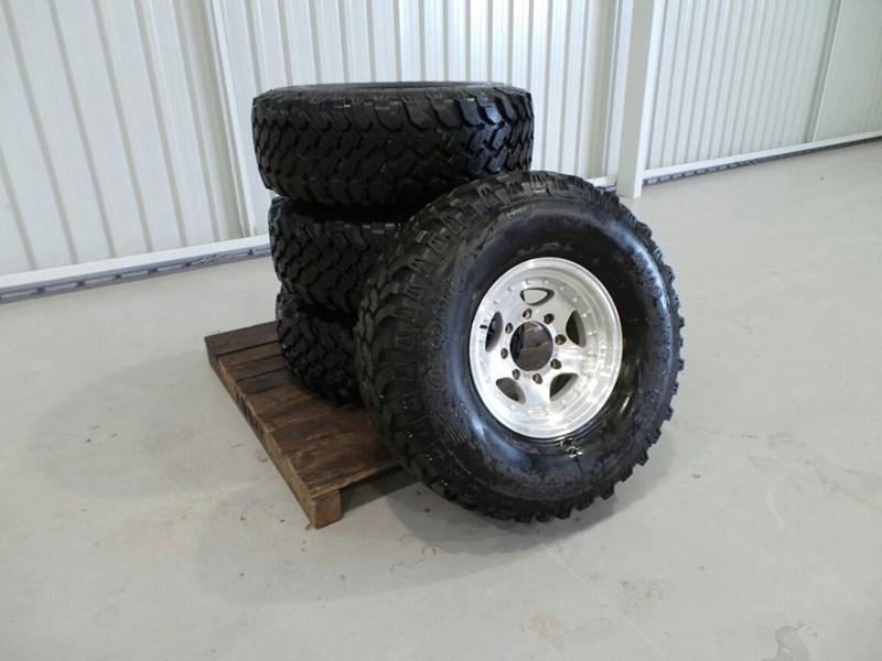 pro comp f truck 4x4 tyres 236467 001