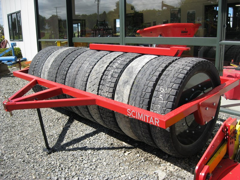 scimitar 3m rubber tyred roller 27890 005