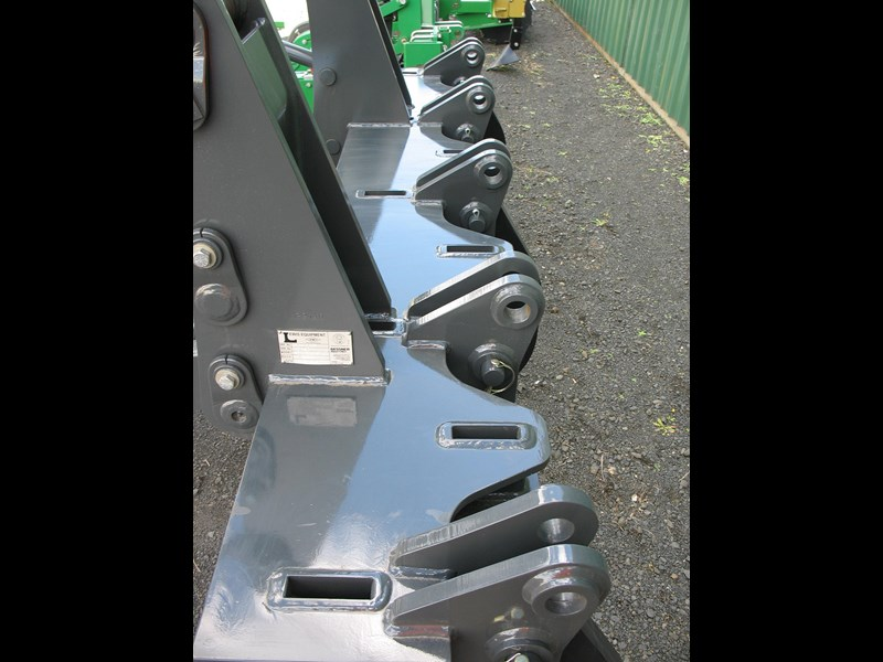 gessner lewis grader ripper to suit volvo 930/940 normally $28,500 + gst 222862 011