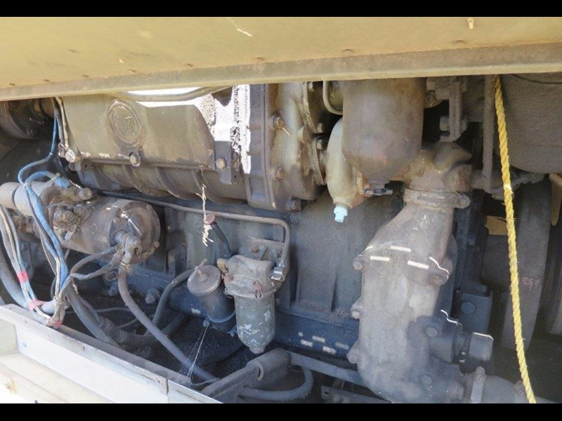unknown trailer mounted generator 320436 013