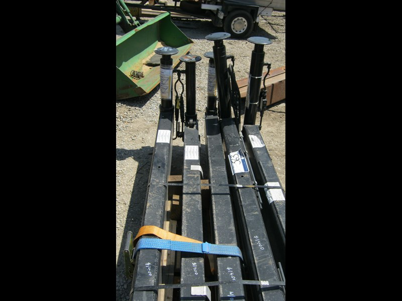 stabiliser legs (new) off hiab cranes 336964 011