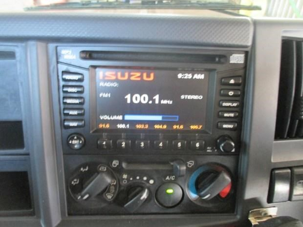 isuzu npr400 medium 340132 009