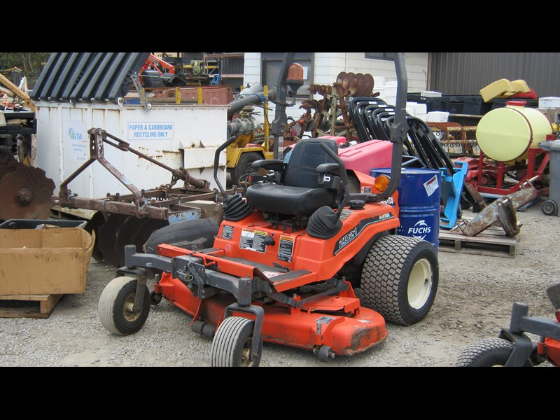 kubota zd21 ride on mower (2 of) 343968 007
