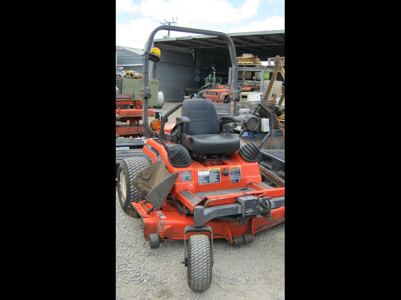 kubota zd21 ride on mower (2 of) 343968 009