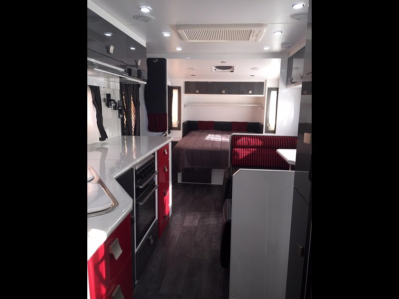 traveller utopia 23' delux ensuite outback 356176 023