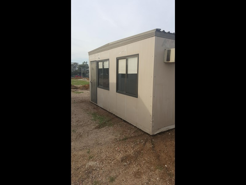 e i group portables used 4.8m x 2.4m 383222 005