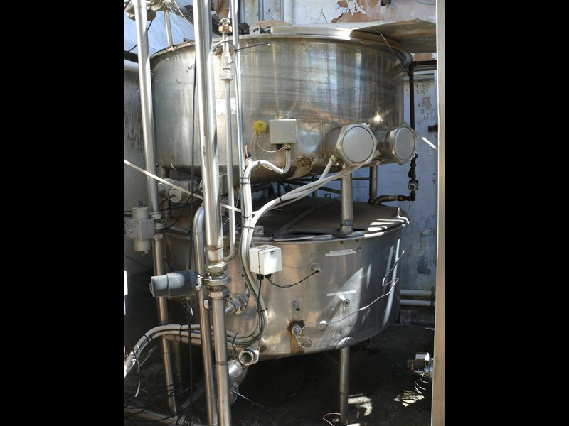 other dairy processing equipment - various stainless steel items. 392596 003