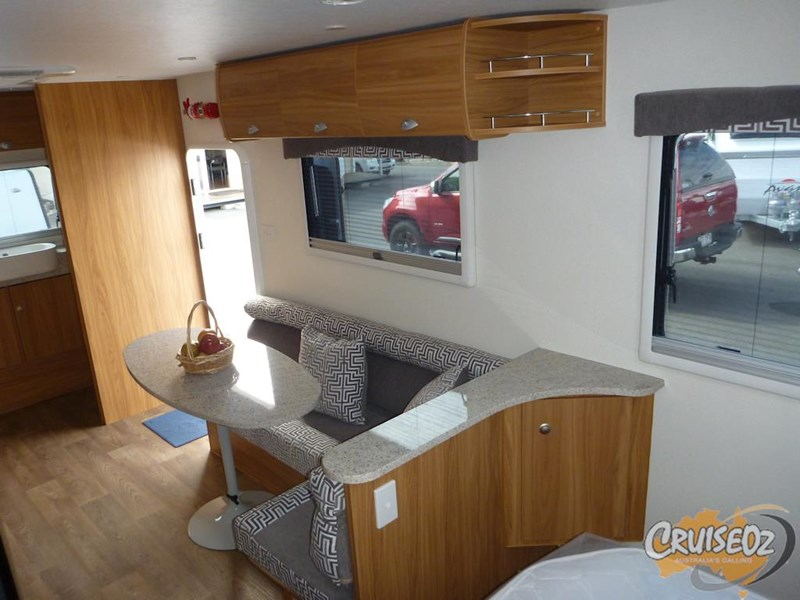 avan caravan owen 609 ht - ensuite model 397330 009