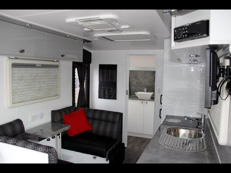 "goldstream rv rhino  ""reduced"" one only save $4,739 409428 051"