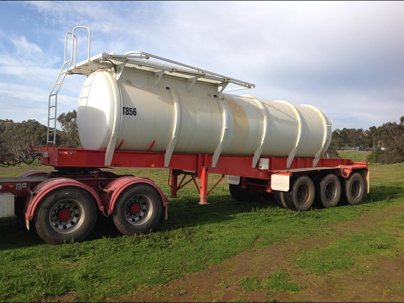 howard porter stainless steel  316 triaxle tanker 420211 009