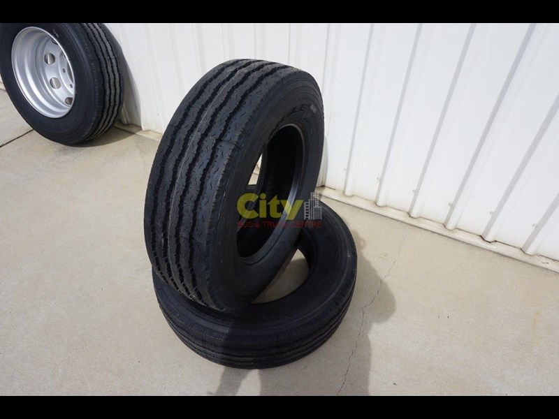 triangle 265/70r19.5 tr675 18 ply trailer / steer tyre 423980 005
