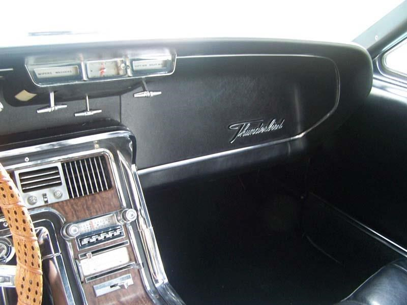 ford thunderbird 431219 055