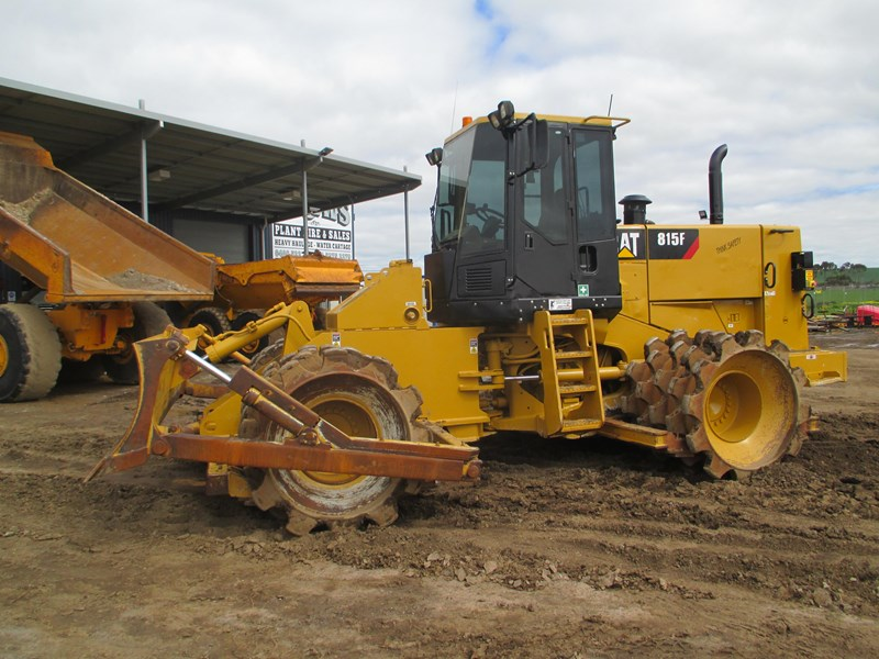 caterpillar 815f compactor (also available for hire) 431364 001