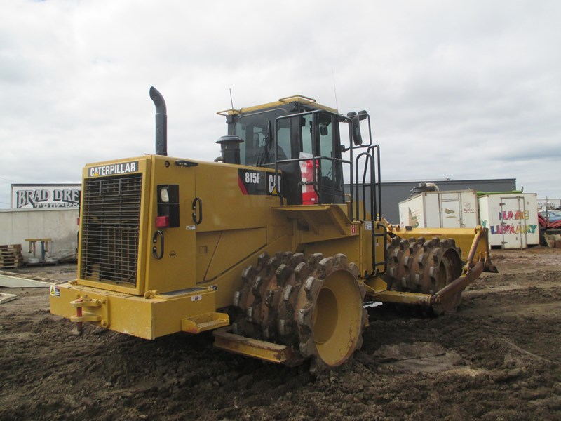 caterpillar 815f compactor (also available for hire) 431364 005