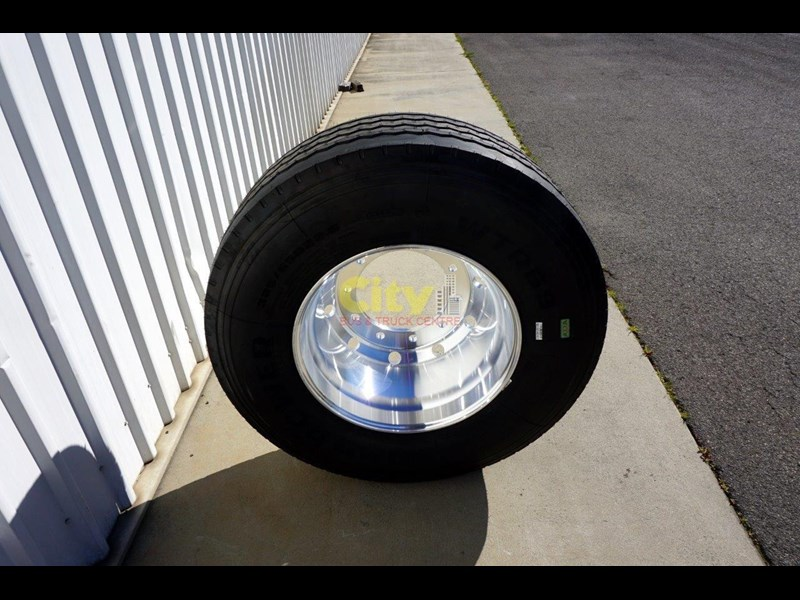 other 10/335 11.75x22.5 super single rim & tyre package 448575 011