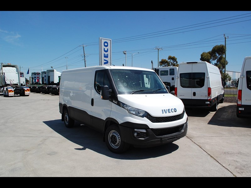 iveco daily 35s13 414622 001