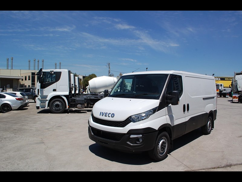 iveco daily 35s13 414622 003