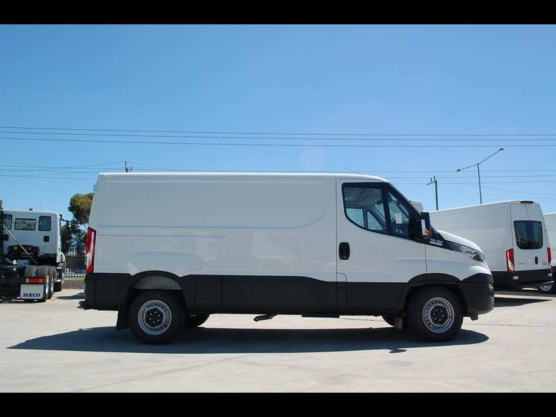 iveco daily 35s13 414622 005
