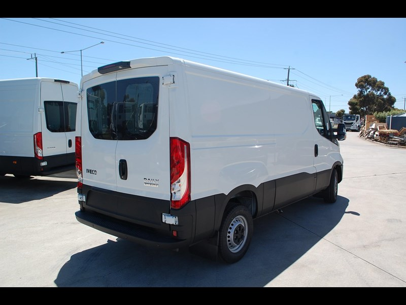 iveco daily 35s13 414622 007