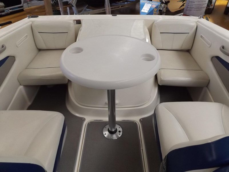 bayliner 192 discovery cuddy cabin 457745 011