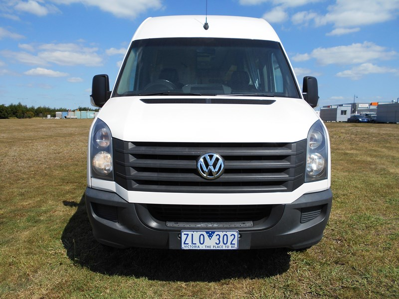 volkswagen crafter 2 berth ultima 463533 009