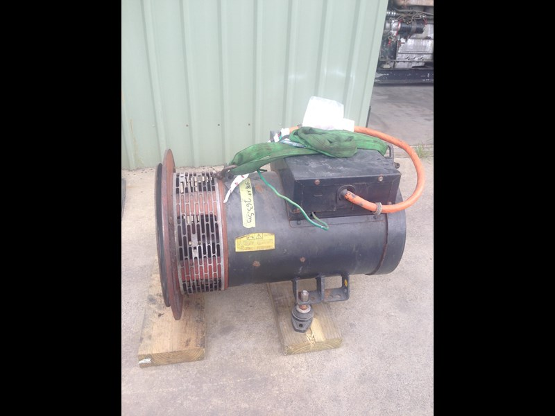 **new listing** gardner 4lw genset with auxiliary drive 470892 009