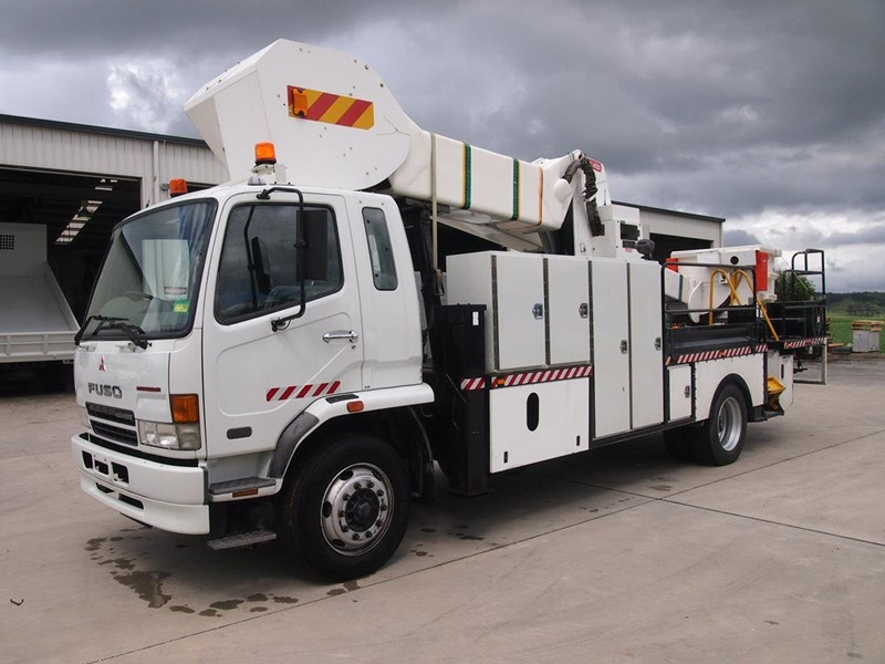 fuso fighter 10 471584 001