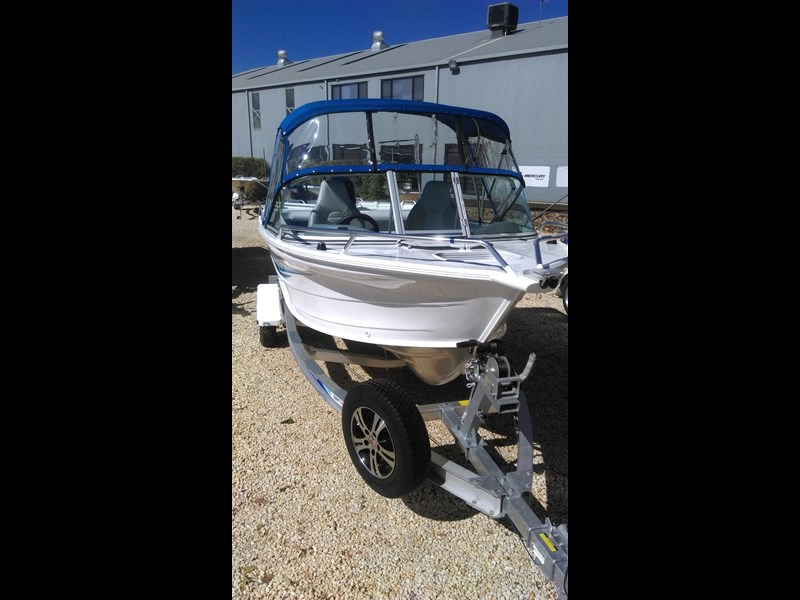 runabout 481 fishabout 475394 007
