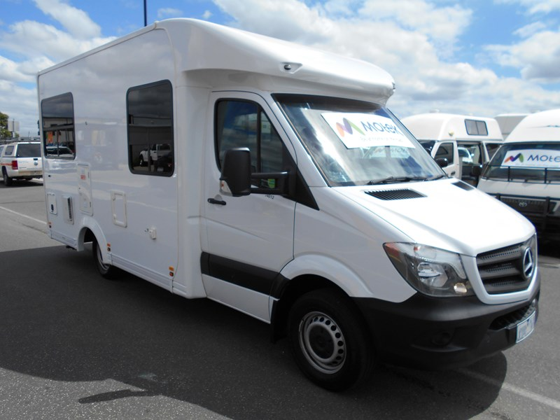 mercedes-benz 4 berth discovery 477869 019