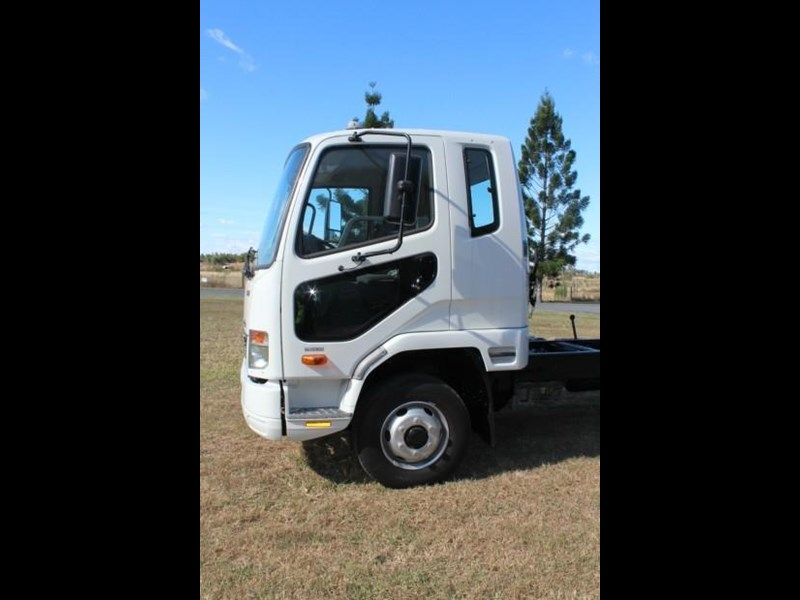 fuso fighter 1024 480338 015