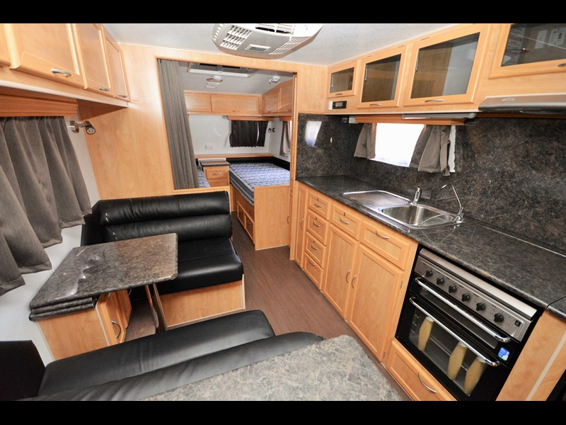 retreat caravans brampton 477818 013