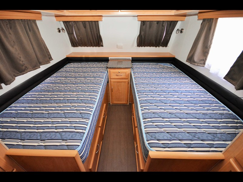 retreat caravans brampton 477818 017