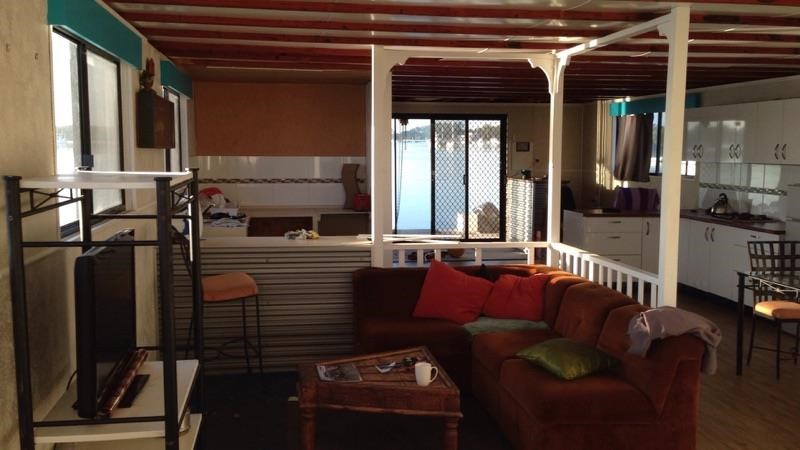 bruce harris houseboat 492402 005