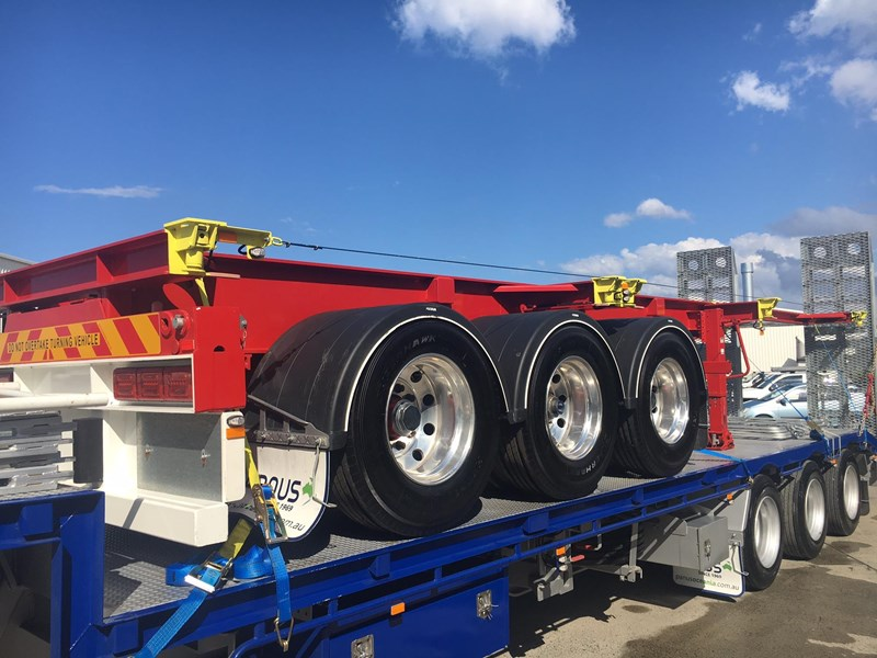 panus retractable skeletal semi trailer 499267 001